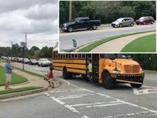 Cách hành xử của tài xế khi thấy xe bus dừng trạm ở Mỹ