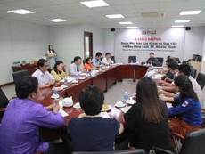 Đoàn nhà báo Lào thăm báo Pháp Luật TP.HCM