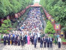 Hàng ngàn người dân TP.HCM dự giỗ tổ Hùng Vương