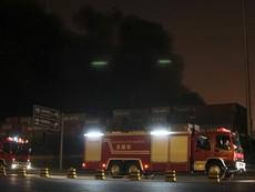 Vụ nổ rung chuyển Thiên Tân: Hoãn cứu hộ vì 'hàng hóa độc hại'
