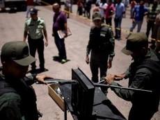 Venezuela rầm rộ tịch thu hơn 2.000 khẩu súng