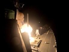 Nóng: Mỹ dội mưa tên lửa Tomahawk vào sân bay Syria