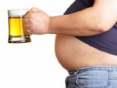 Tại sao uống bia, bụng quý ông lại to?