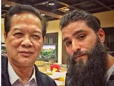 Đạo diễn 'Kong: Skull Island' khoe ảnh chụp với Thủ tướng