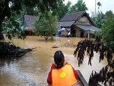 Lũ khẩn cấp trên các sông ở Hà Tĩnh, Quảng Bình