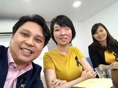 Nữ sinh bị tạt acid phẫu thuật thành công tại Thái Lan