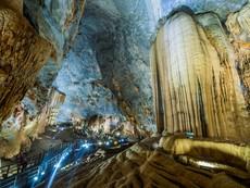 Thi hoa hậu trong hang động gây ảnh hưởng môi trường?