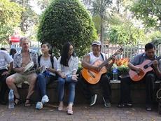 Ban nhạc Tây và ta ở công viên 23-9