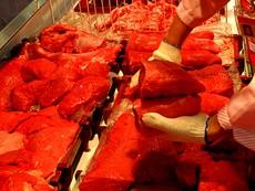 Vừa mua thịt vừa nơm nớp sợ chết!