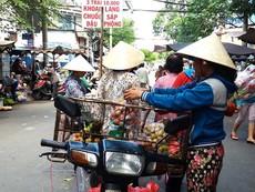 Siết chặt việc sử dụng vỉa hè tại Hà Nội và TP.HCM