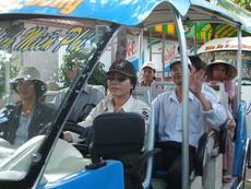Xe buýt điện phải hạn chế tối đa ùn tắc giao thông