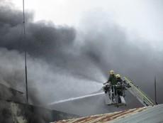 Vụ cháy ở Cần Thơ: Nhiều chiến sĩ bị ngạt khí độc, bỏng
