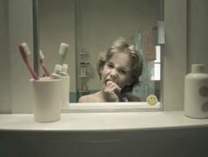 Cuộc đời người phản chiếu qua tấm gương