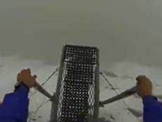 Cảm giác nhảy dù vách núi sẽ như thế nào?