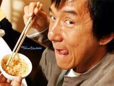 10 thế võ hài hước nhất của Thành Long