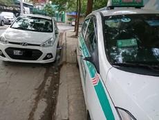 Sau 1 đêm, hàng loạt ô tô bị trộm vặt trụi gương