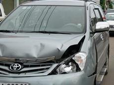 Tai nạn liên hoàn giữa xe cứu thương cùng 4 ô tô khác