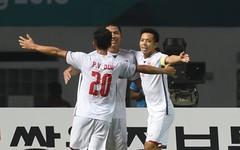 Qatar thua sốc, Thái Lan lại gây thất vọng