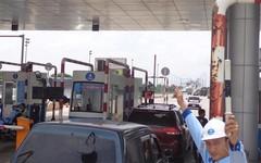 Làm sao qua cửa thu phí không dừng trên cao tốc HLD?
