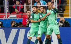 Giữa tâm bão, Ronaldo vẫn hóa người hùng