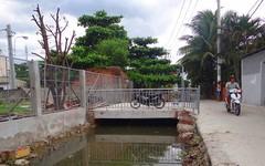 Quận cho xây cầu, sao dân phản đối?
