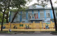 Sáng Sài Gòn, cứ cà phê, đọc báo, ung dung đánh cờ...