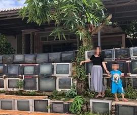 Tường rào làm bằng tivi cũ ở Việt Nam gây sốt mạng xã hội