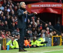 MU - Tottenham: Lúng túng như Mourinho