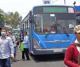 TP.HCM: Đi xe buýt có WiFi, sách báo miễn phí