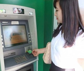 Yêu cầu giảm hạn mức rút tiền ATM sau 23 giờ đêm