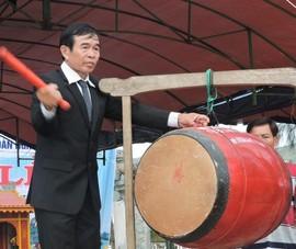 Chùm ảnh: Ngư dân Lý Sơn giương buồm ra biển Hoàng Sa