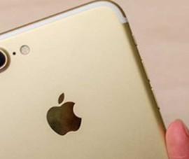 iPhone 7 Jet Black chính hãng về VN nhỏ giọt
