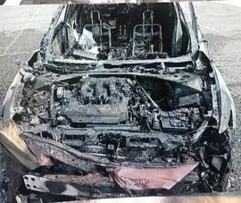 Smartphone Samsung bất ngờ phát nổ trong xe hơi