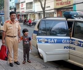 Cảnh sát giao thông kể chuyện ít ai biết khi làm nhiệm vụ