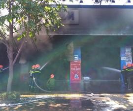 Cháy dữ dội cửa hàng xe máy ở TP. Mỹ Tho