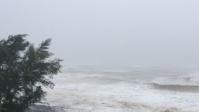 Quảng Trị: Biển Cửa Tùng, gió lớn, sóng biển cao...