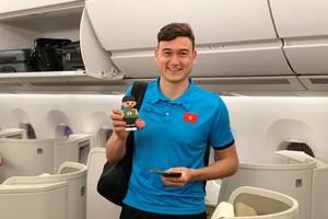 Các cầu thủ đội tuyển Việt Nam lên máy bay về nước
