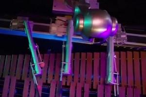 Cận cảnh robot biết biên soạn, chơi nhạc cực điệu nghệ