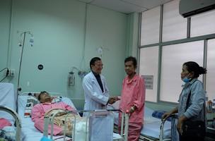 BS Việt cứu BS Campuchia thoát cửa tử trong gang tấc
