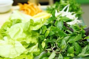 Ăn rau sống và nguy cơ nhiễm ký sinh trùng