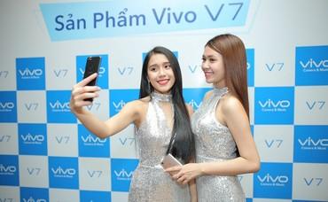 Selfie cực đã với camera trước 24 MP