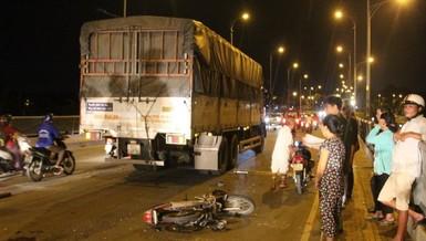 Trên đường về nhà, nam phụ hồ gặp tai nạn, bị nát 2 chân