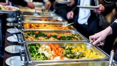 Đi ăn buffet, hãy tránh những thực phẩm dưới đây