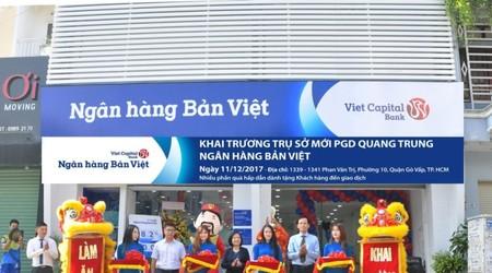 NH Bản Việt khai trương phòng giao dịch Quang Trung