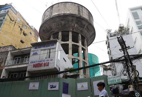 Dỡ bỏ 7 thủy đài khổng lồ ở Sài Gòn