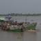 Đầu năm bắt 2 sà lan tải trọng lớn hút cát sông Tiền
