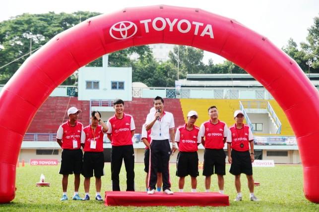 Khởi động Trại hè bóng đá thiếu niên Toyota 2017