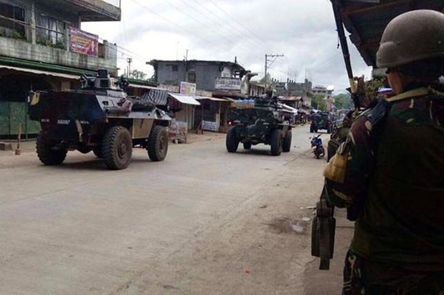 Giải cứu 78 con tin tại TP Philippines bị IS chiếm