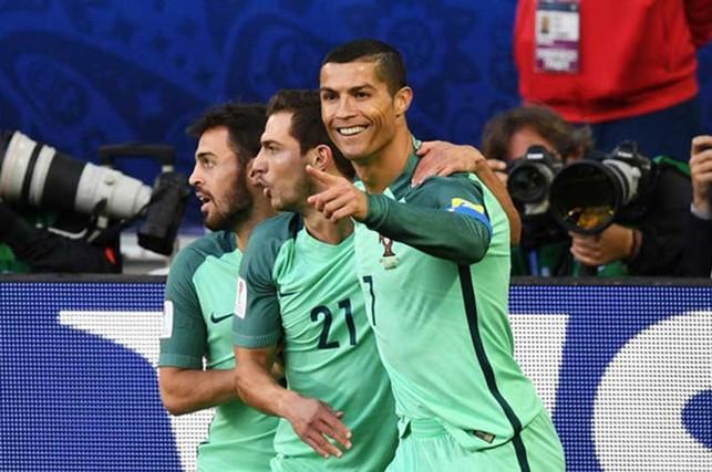 Ronaldo vẫn sáng giữa vòng vây scandal