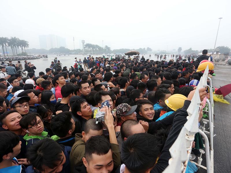 Việt Nam - Philippines, VFF bán vé online, không còn xếp hàng